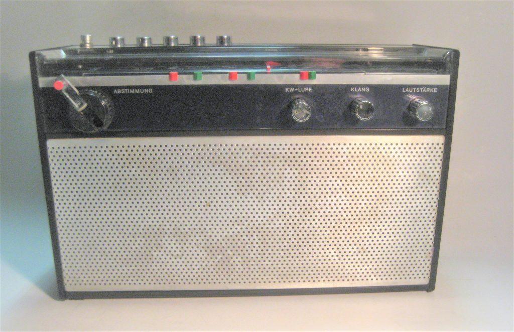 DDR Kofferradio Stern Dynamic 2030 / R 200-30